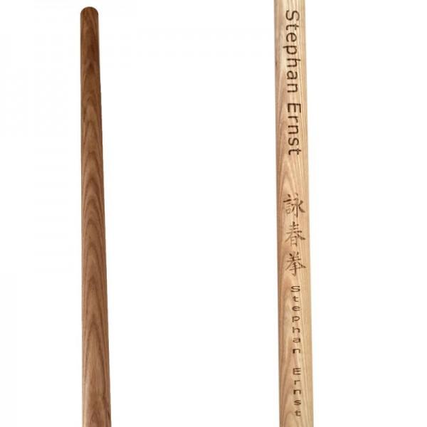 Wing Tsun Langstock Esche schwer mit Name und Schriftzeichen